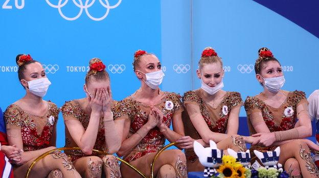 8августа. Токио. Реакция сборной России похудожественной гимнастике наоценки. Фото Reuters