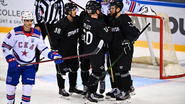 Хоккеисты «Трактора» празднуют победу. Фото ХК «Трактор»