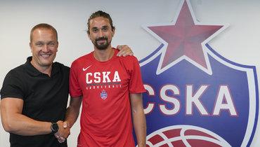 Алексей Швед (справа) спрезидентом ЦСКА Андреем Ватутиным.
