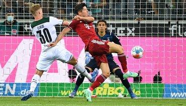 Левандовски вседьмом сезоне подряд забил впервом туре бундеслиги