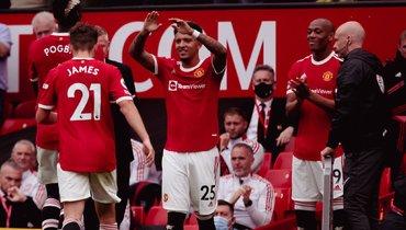 Хет-трик Фернандеша помог «Манчестер Юнайтед» разгромить «Лидс»