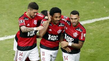 Впервые вистории Кубка Либертадорес вполуфинале сыграют три клуба изодной страны