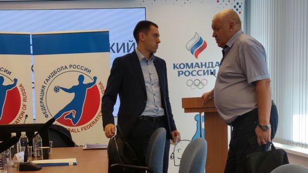 "Евгений Трефилов (справа) назаседании исполкома. Фото ""СЭ"""