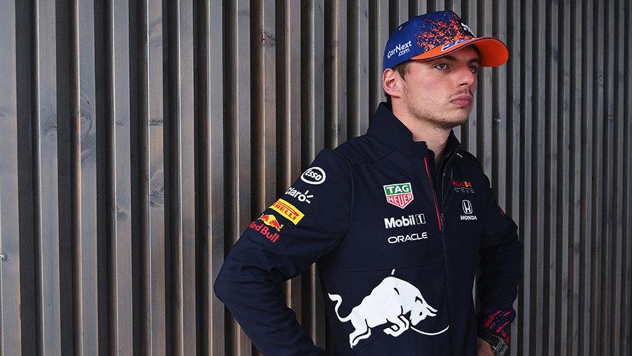 Фанаты Ферстаппена устроят адХэмилтону вНидерландах. «Формула-1» возвращается народину Макса