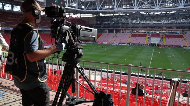РПЛ на ТВ или в интернете. Фото Александр Федоров, «СЭ» / Canon EOS-1D X Mark II