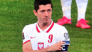 Левандовски поддержал игроков сборной Англии, когда ихосвистали польские фанаты