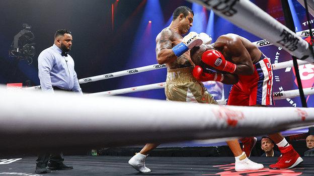 UFC: Холифилда нокаутировал Белфорт,а Ортиса— Силва , обзор