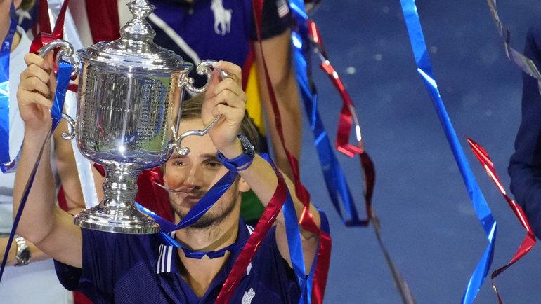 Первый трофей турнира «Большого шлема» уДаниила Медведева. Фото Reuters