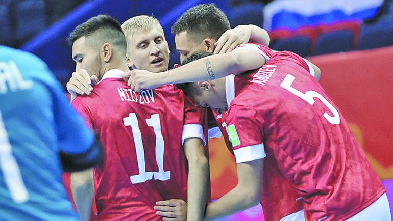 12сентября. Вильнюс. Россия— Египет— 9:0. Наша команда празднует успех. Фото АМФР