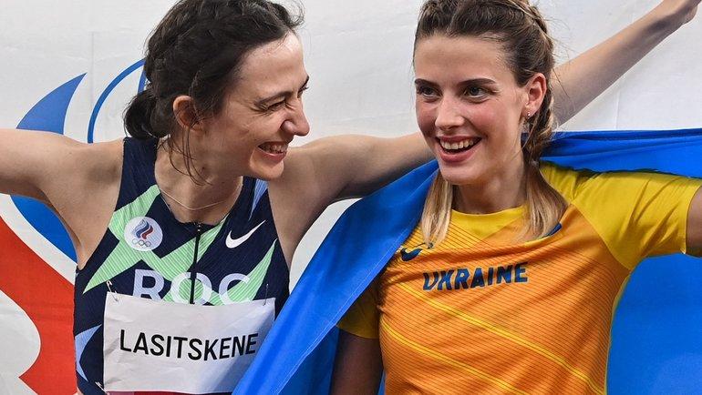 Мария Ласицкене иЯрослава Могучих (справа). Фото AFP