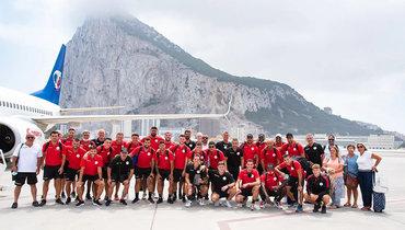 «Мыбыли аутсайдерами вкаждой игре». Клуб изГибралтара сыграет восновной стадии еврокубков