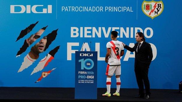 Презентация Радамеля Фалькао в «Райо Вальекано». Фото Twitter