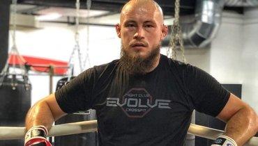 Боец UFC Фахретдинов: «Татарский народ мне финансово непомогает. Дарят одни грамоты»