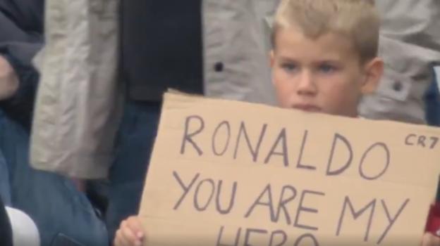 Юный поклонник Криштиану Роналду. Фото Twitter