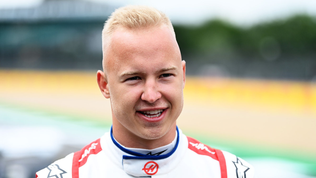 «Рад, что меня можно назвать нескучным гонщиком». Мазепин— о «Гран-при России» иотсутствии личной жизни