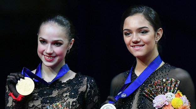Алина Загитова иЕвгения Медведева. Фото РИА Новости