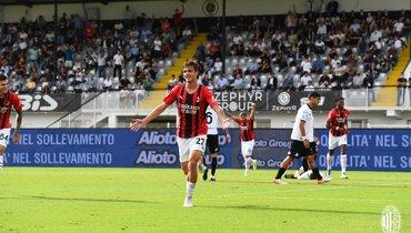 Гол 19-летнего Мальдини помог «Милану» переиграть «Специю»