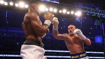Усик единогласным решением судей победил Джошуа истал новым чемпионом мира