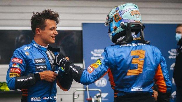 Пилоты «Макларена» Ландо Норрис иДаниэл Риккьярдо. Фото twitter.com/McLarenF1