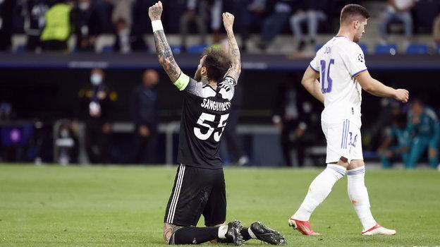 28сентября. Мадрид. «Реал»— «Шериф»— 1:2. Густаво Дуланто празднует победу над соперником. Фото Reuters