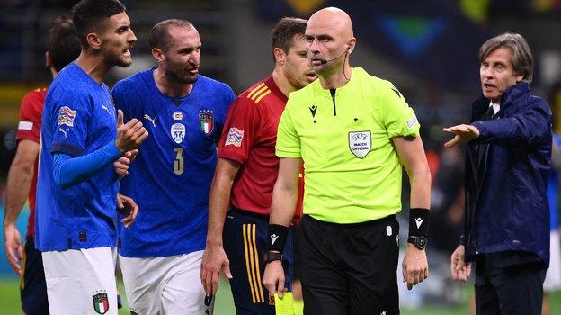 Италия— Испания— 1:2, обзор матча полуфинала Лиги наций, как отсудил Карасев, удаление Бонуччи, видео голов, 6октября 2021 года