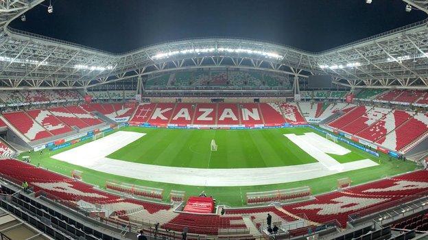 Россия— Словакия, вкаком состоянии газон стадиона вКазани, что нетак сполем перед матчем отбораЧМ 2022. Фото