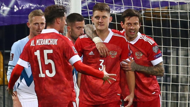 Россия после победы вСловении вышла напервое место вгруппе игарантировала себе как минимум стыки. Фото Reuters