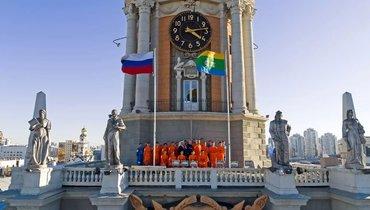 «Урал» сделал общекомандное фото накрыше администрации Екатеринбурга. Фото ФК «Урал»