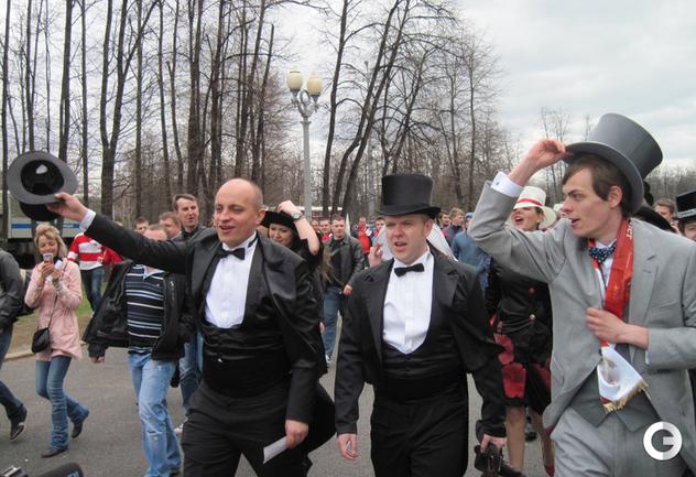 Спартаковские леди и джентельмены на футболе в Лужниках