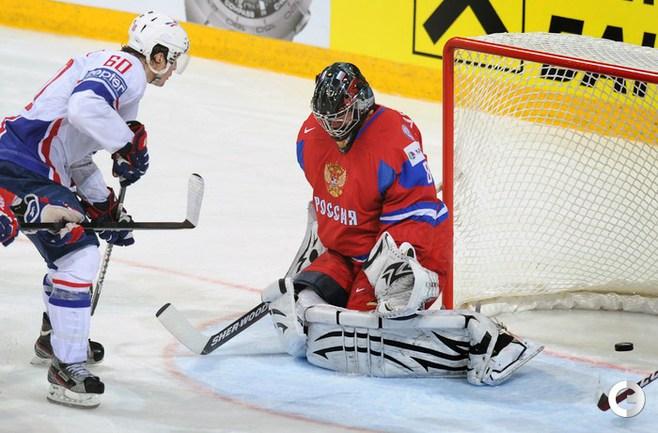 Сборная России проиграла в День Победы