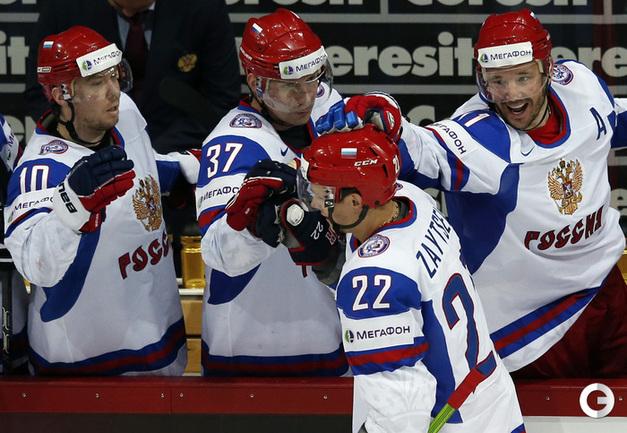 Никита ЗАЙЦЕВ (в центре). Фото REUTERS.