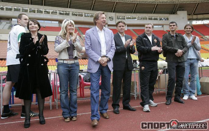 Почетные гости ТДК во время награждения.