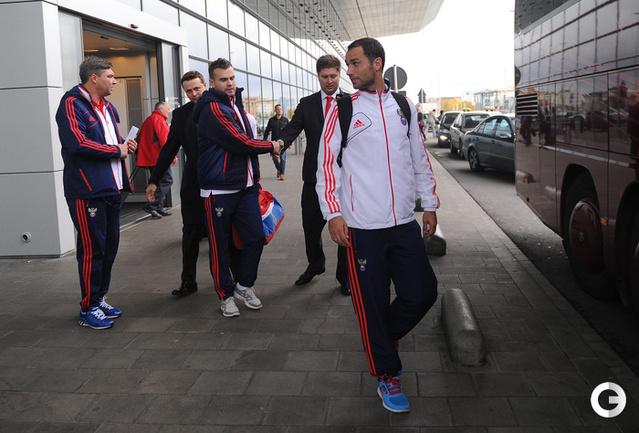 Сборная России прилетела в Люксембург