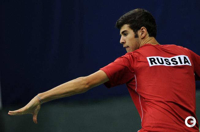 Карен Хачанов принес первое в своей карьере первое очко в сборной России. .