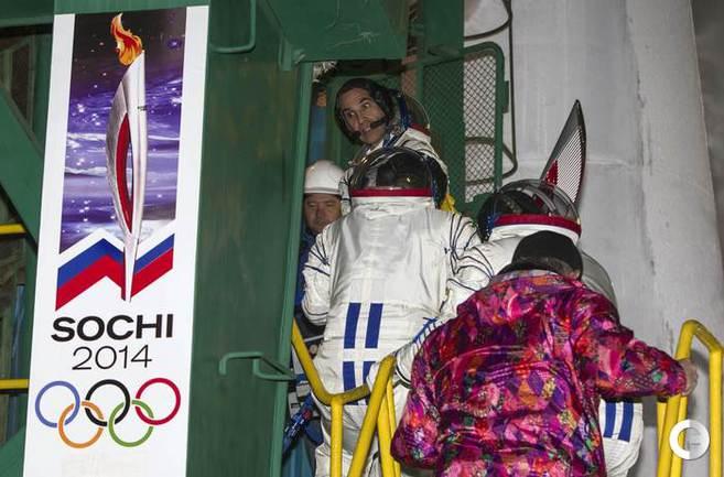 Олимпийский факел Сочи-2014 уже в космосе!