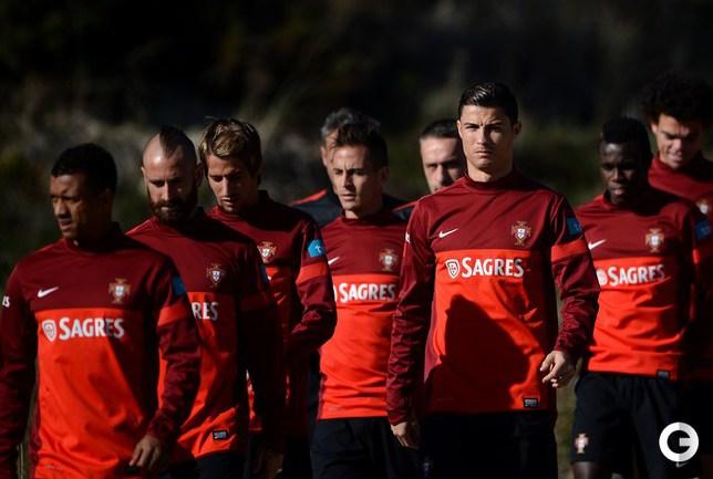 Криштиану Роналду на тренировке сборной Португалии.