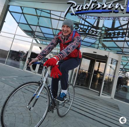 Иван Скобрев тренируется в Олимпийском парке
