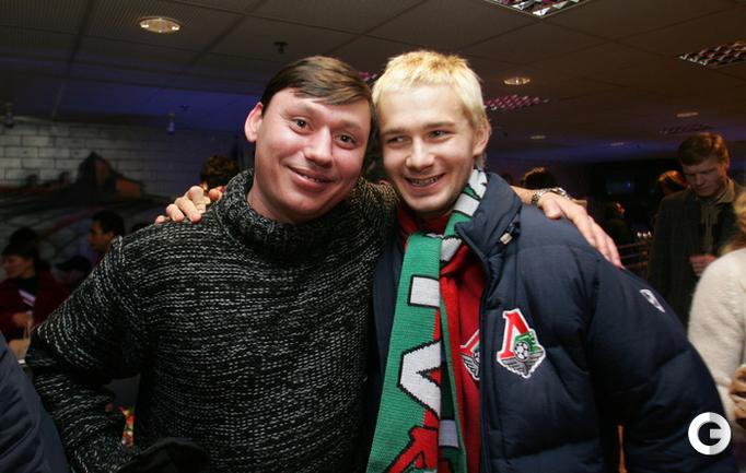 2004 год. Илья ЦЫМБАЛАРЬ и Дмитрий СЫЧЕВ (справа).