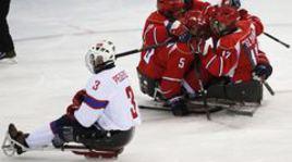 Сборная России по следж-хоккею в финале Паралимпиады в Сочи