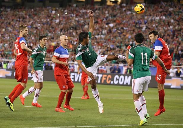 США и Мексика забили друг другу по два гола