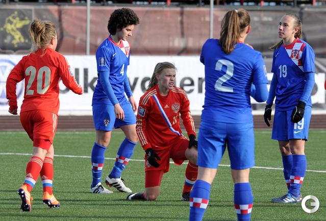 Только что Екатерина Пантюхина забила победный гол. .