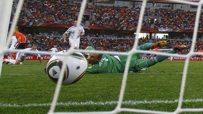 Ошибка Яна Мухи привела ко второму голу в ворота словаков.