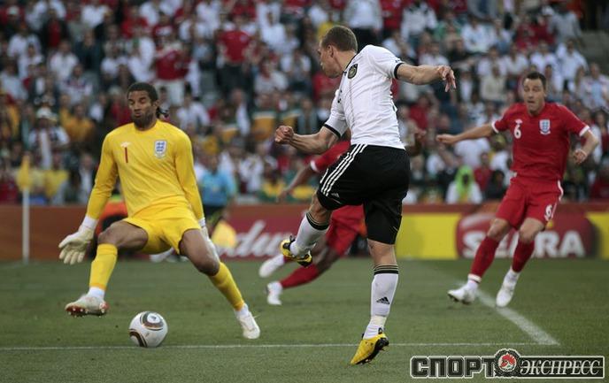 Германия 4:1 Англия. Лукас Подольски.