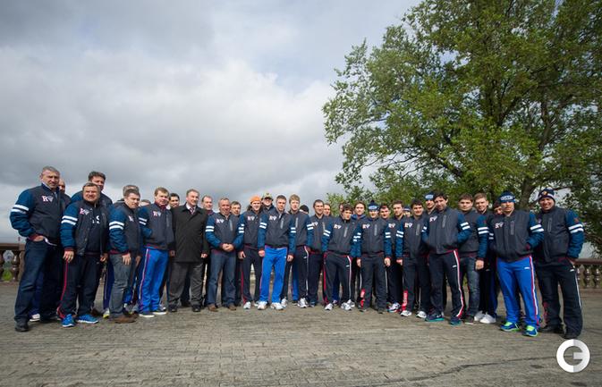 Хоккеисты сборной России взобрались на Воробьевы горы