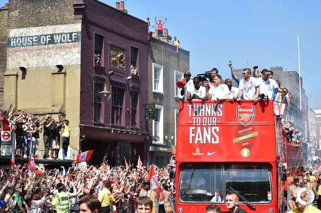 """Игроки """"Арсенала"""" перекрыли движение в Лондоне"""