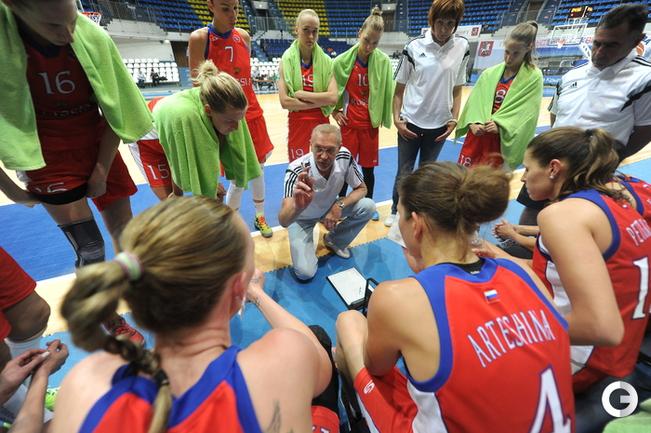 Анатолий Мышкин руководит командой.