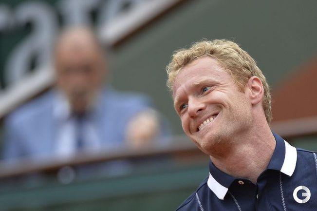 Турсунов уступил Федереру в третьем круге Roland Garros