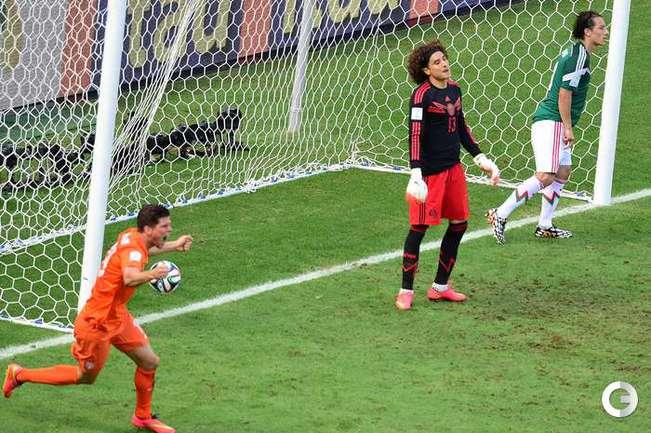 Голландия вырвала победу у Мексики