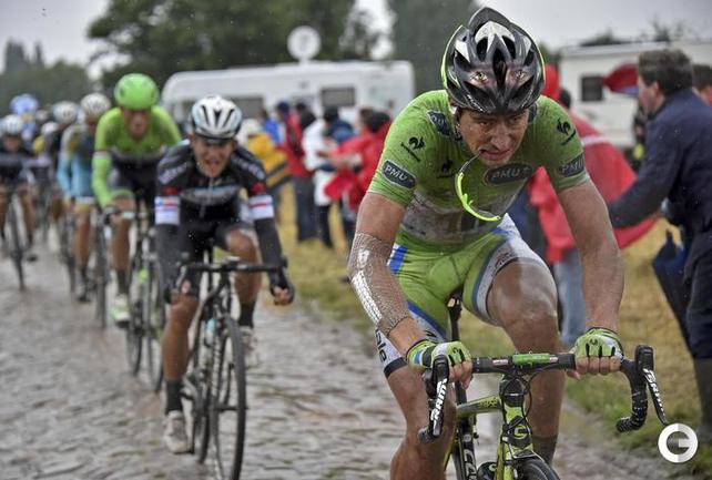 """""""Тур де Франс"""" под проливным дождем"""