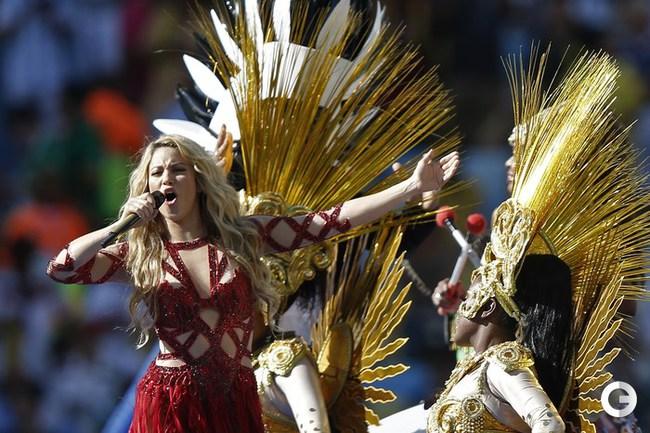 Шакира зажгла на церемонии закрытия ЧМ-2014